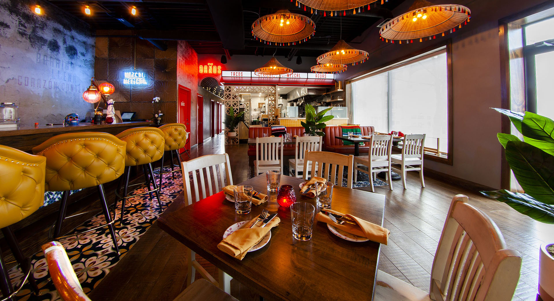 Interior of Por Vida restaurant